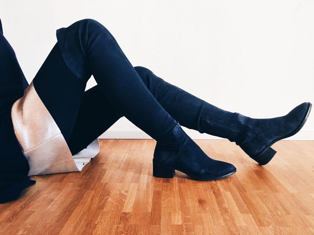 fourhangauf-overknees-1