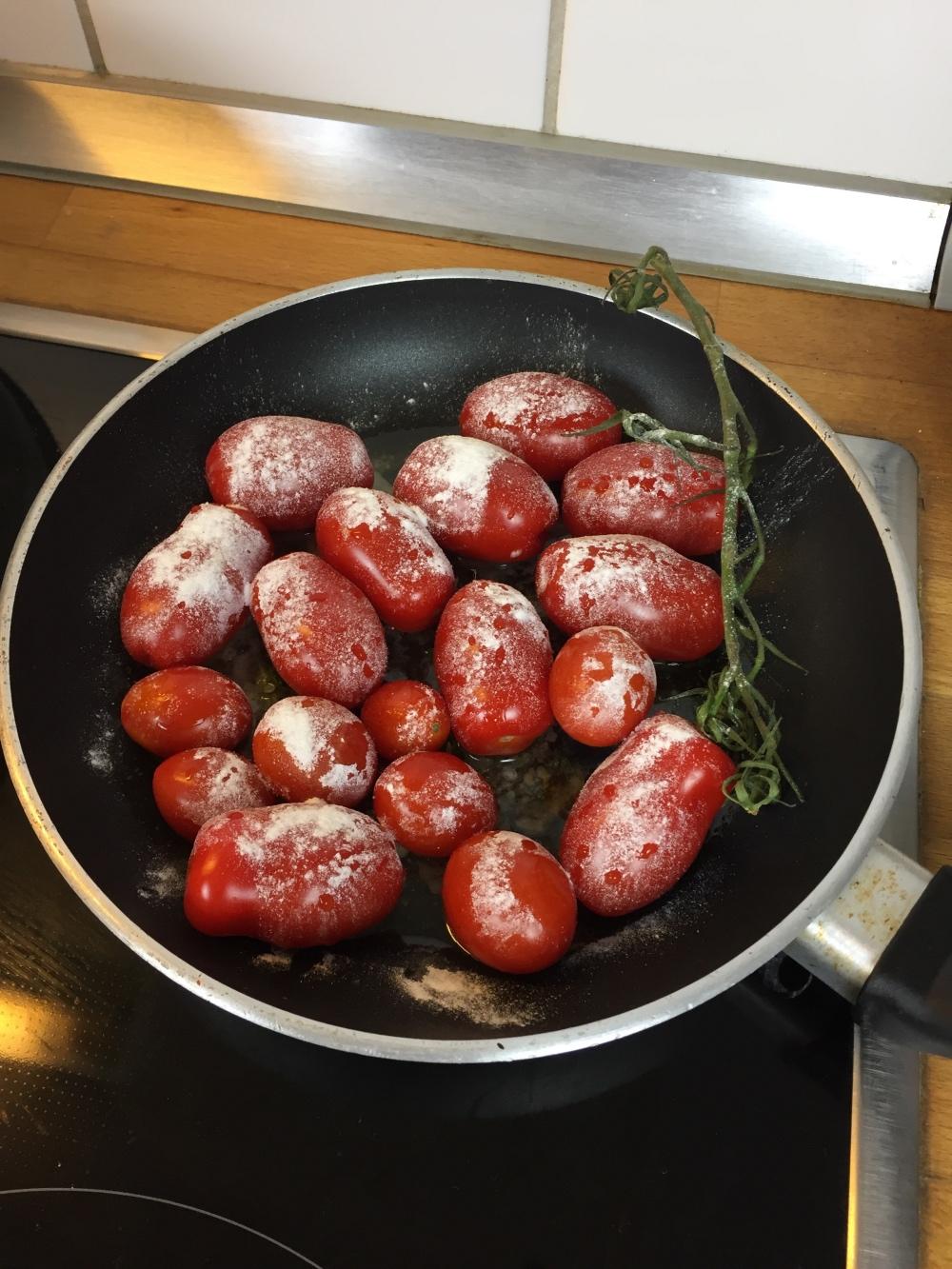 fourhangauf_lachswirsing_tomaten