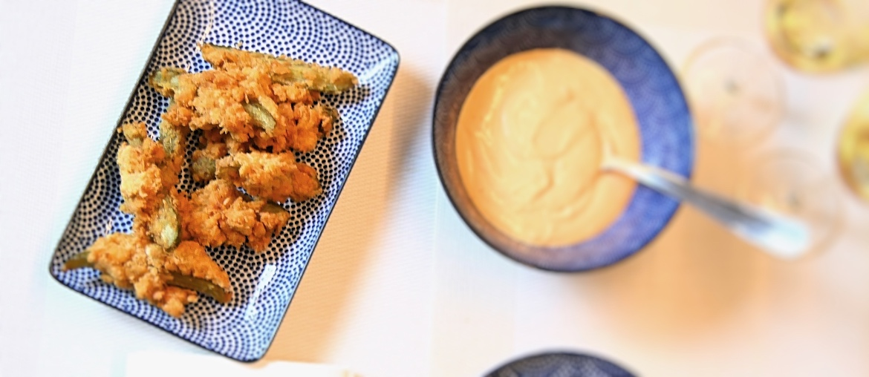 fried pickles frittierte essiggurken rezept aperitif fourhang auf. Black Bedroom Furniture Sets. Home Design Ideas