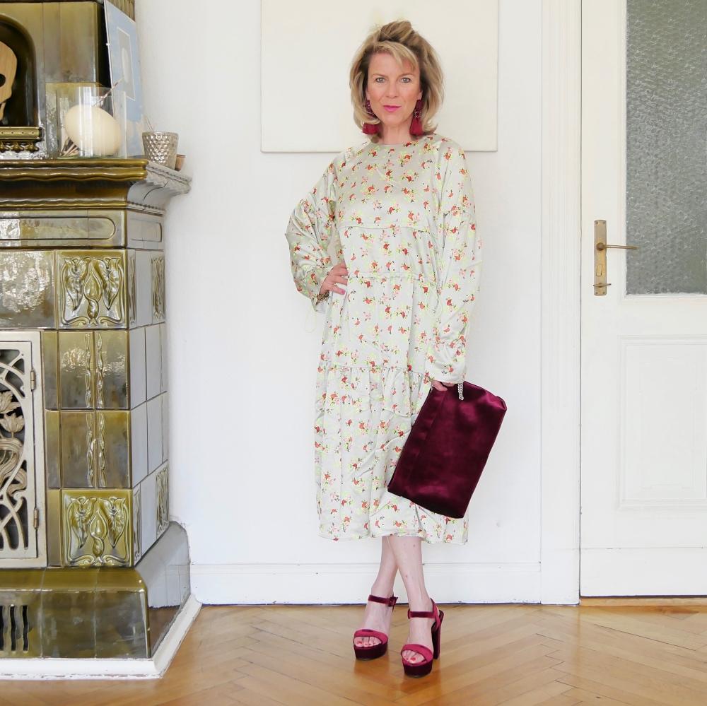 Erfreut Kleid Für Gartenparty Ideen - Brautkleider Ideen ...