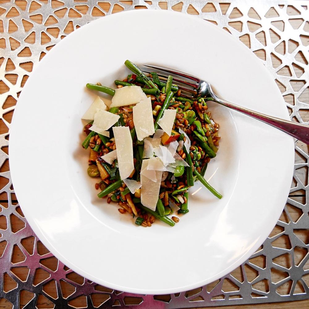 Emmer-Salat: Mit Bohnen und Pfirsich