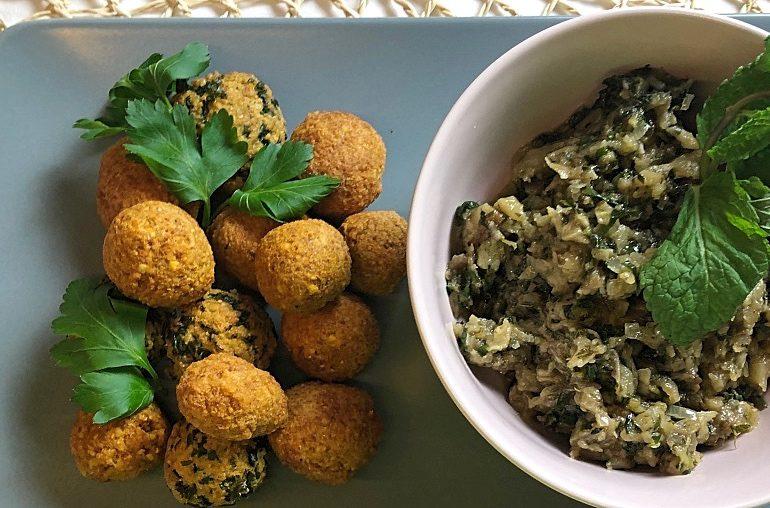 Auberginen-Kaviar mit Falafel-Trio! Einfach, köstlich, mediterran!
