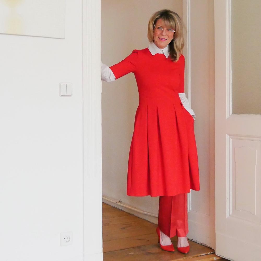 Business-Outfits: Im Büro im Kleid und Hose