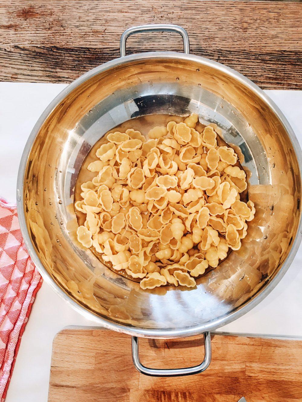 fourhangauf-one-pot-pasta-nudeln