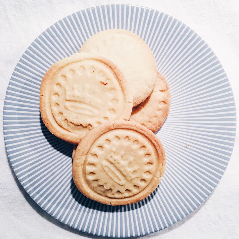 Meine hübschen Kekse brauchen eine Dose zum Aufbewahren.