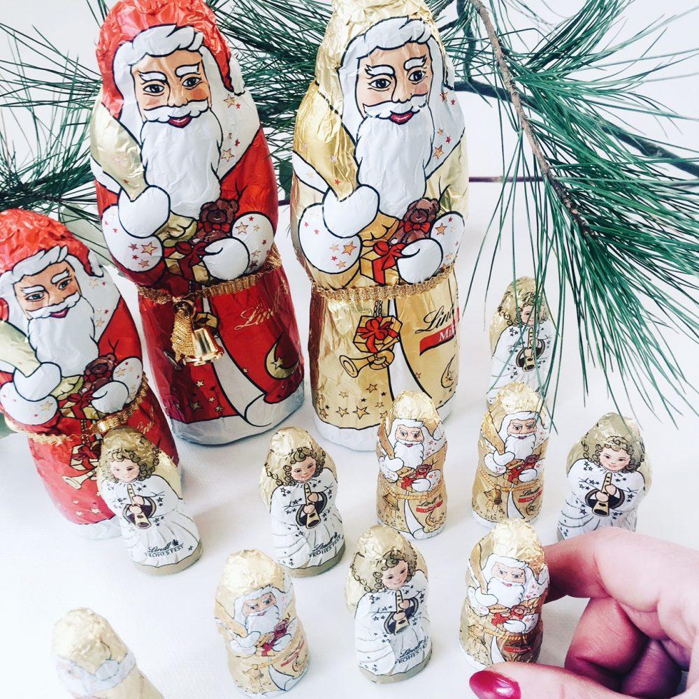 fourhangauf-weihnachtszeit-weihnachtsmaenner