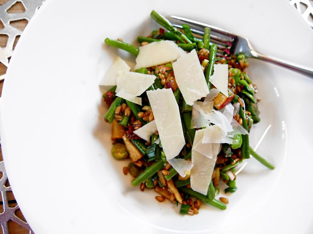 Emmer-Salat mit Parmesan