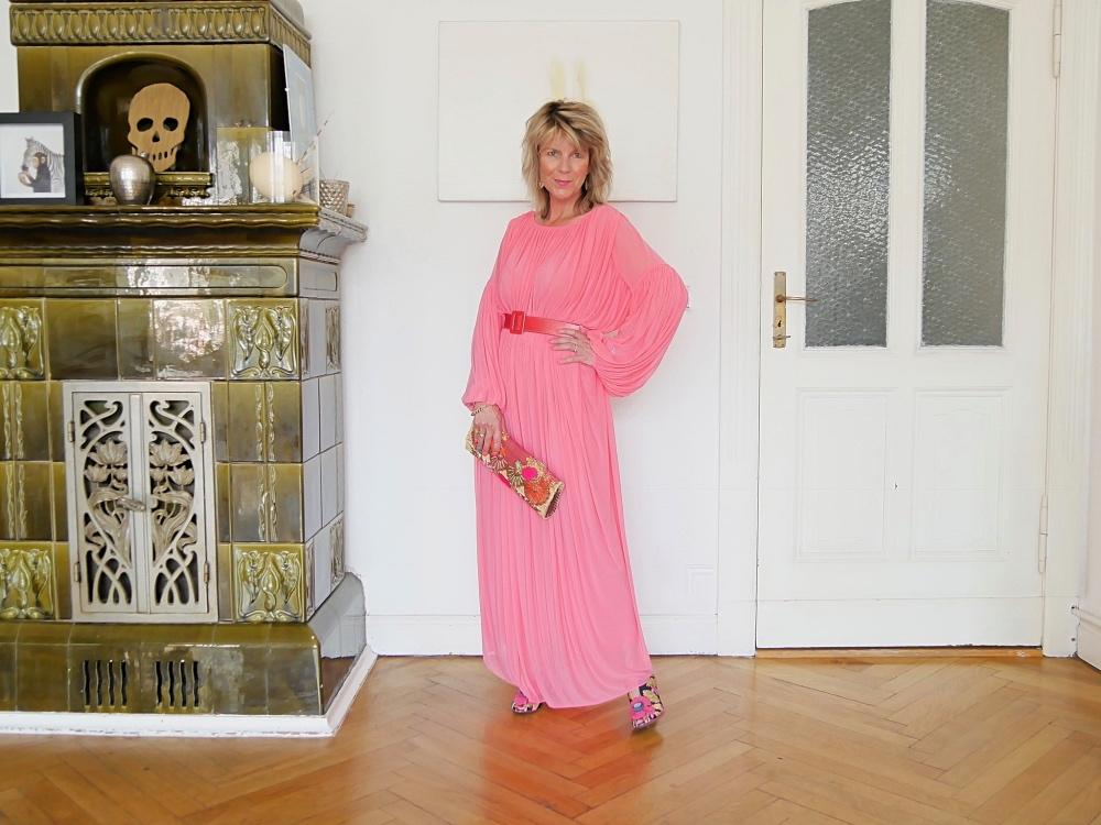 Tunika mit Gürtel: Perfektes Party-Outfit