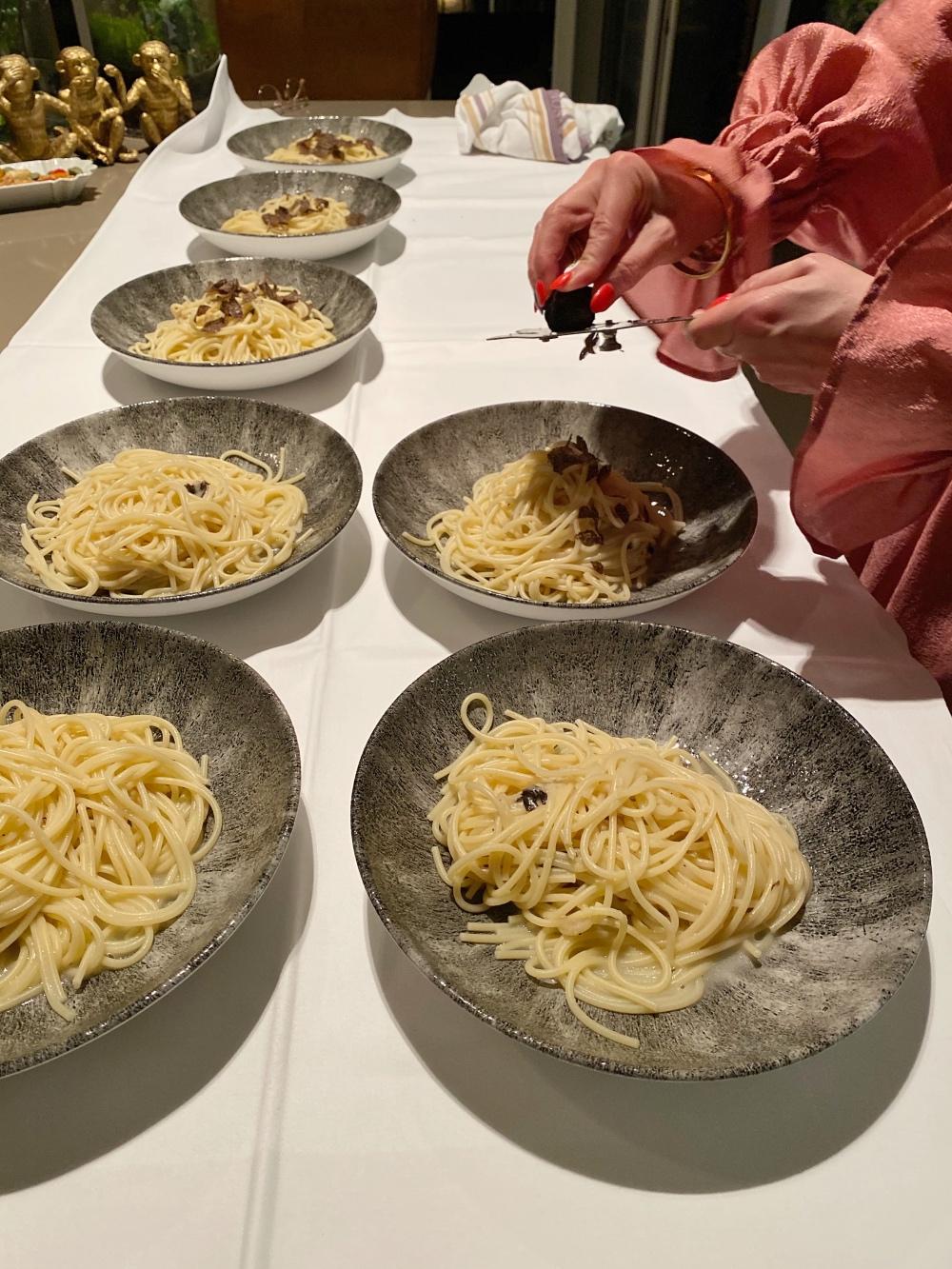 Trüffel-Spaghetti: Der Trüffel kommt am Ende auf die Nudeln!