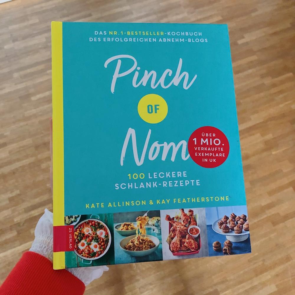 "Das Kochbuch ""Pinch of Nom"""